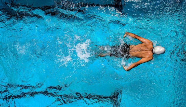 Does swimming make you lose weight?