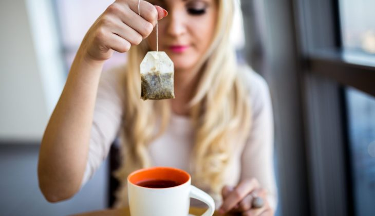 drinking-tea-to-lose-weight